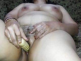 Hot mature with dildo