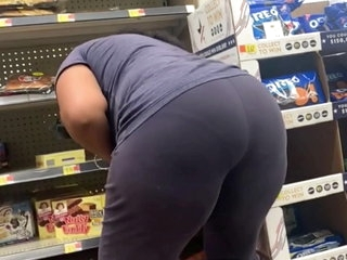 Big ol ass On this Indian milf sheeesh
