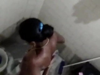 Tamil girl bathing hidden video